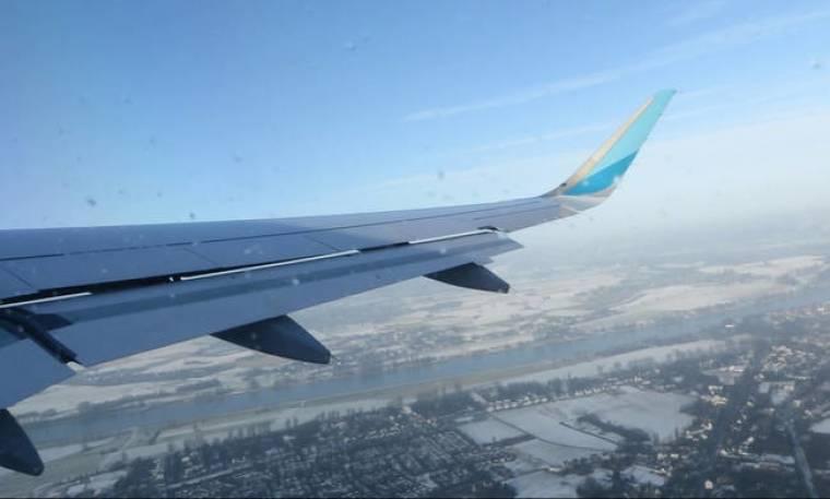 Τρόμος στον αέρα: Αεροπλάνο με προορισμό τη Θεσσαλονίκη χτυπήθηκε από κεραυνό