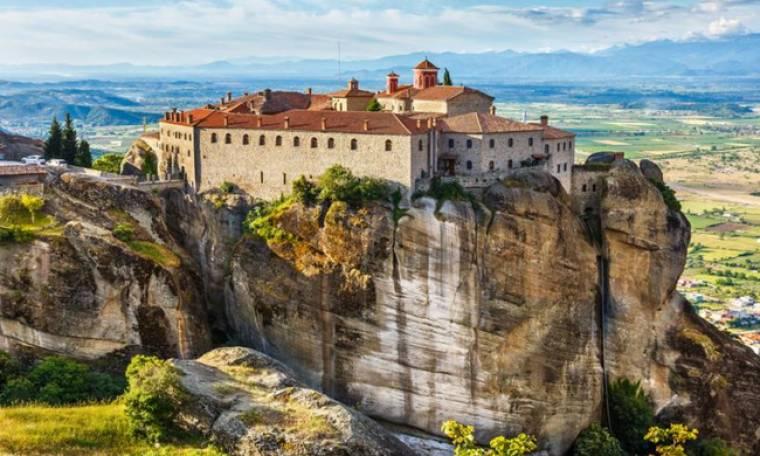 Η Ιερά Μονή του Αγίου Στεφάνου κτισμένη στην κορυφή του βράχου ΕΙΚΟΝΕΣ