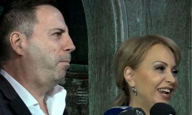 Τέτα Καμπουρέλη: Δείτε πως αντιδρά όταν ο σύζυγός της δηλώνει νεότερός της