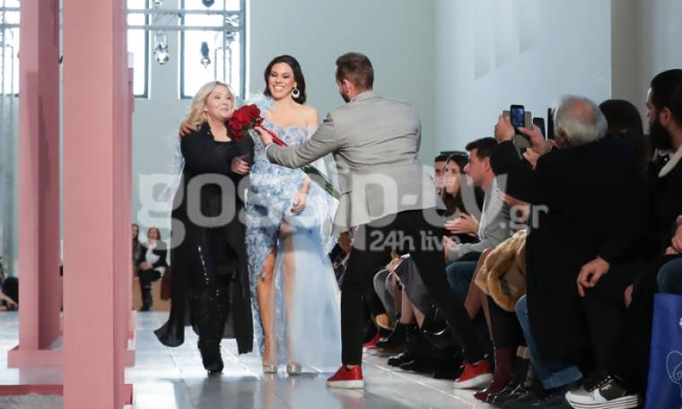 Ο Ορφέας Παπαδόπουλος συγκινεί με την κίνηση προς την μητέρα του Φανή Κατσανού στην Bridal Expo