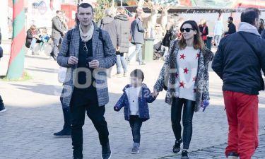 Ιωάννης Παπαζήσης - Βανέσα Αδαμοπούλου: Η πρώτη δημόσια εμφάνιση με το παιδί τους!