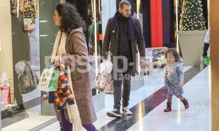 Δήμητρα Στογιάννη: Χαλαρή βόλτα με τα παιδιά και τον σύζυγό της!