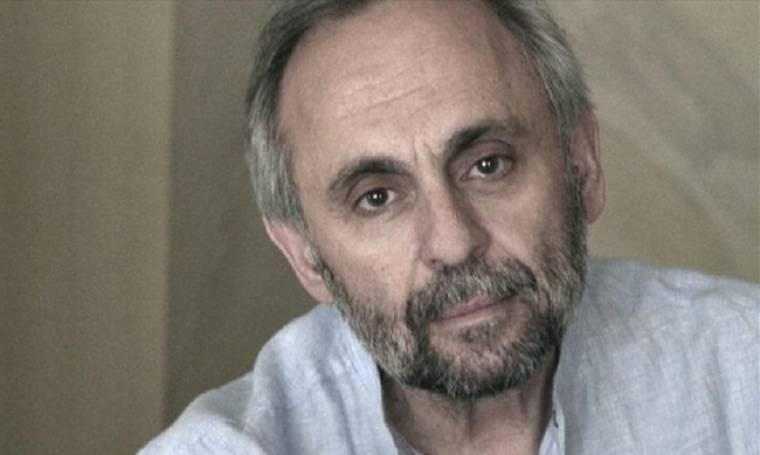 Χατζάκης: «Θα έδινα 10, 20, 30 χρόνια θεάτρου για να πάω βόλτα με τους γονείς μου που δεν υπάρχουν»