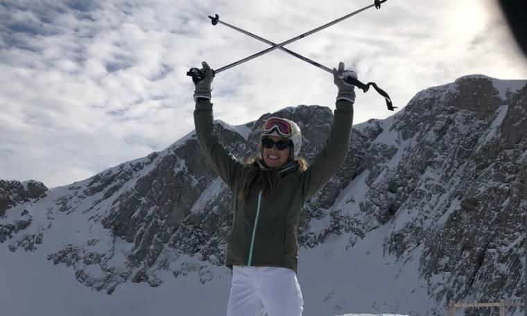 Η επώνυμη κυρία πήγε για... σκι!