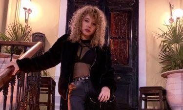 Νέο look για την κόρη πασίγνωστης Ελληνίδας τραγουδίστριας! Την αναγνωρίζετε;