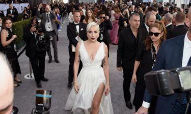 Sag Awards: Η Lady Gaga έκανε μια ατυχέστατη επιλογή φορέματος