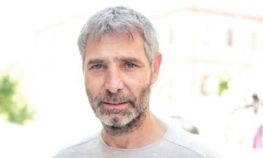 Θοδωρής Αθερίδης: «Η τηλεόραση έχει εκπέσει και δοκιμάζεται»