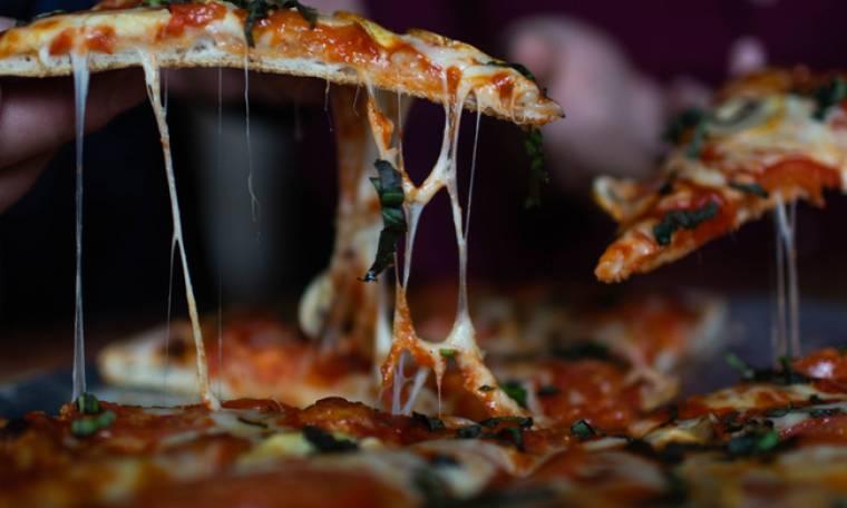 Δε θα πιστέψεις πόσο μεγάλη είναι η μεγαλύτερη pizza στον κόσμο