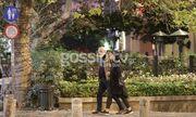 Γιώργος Κιμούλης-Έλενα Παναρίτη: Βόλτα στο κέντρο της Αθήνας