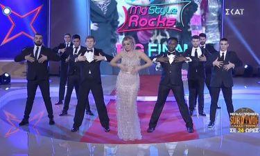 My style rocks Gala: Η εντυπωσιακή είσοδος της Σπυροπούλου! Το λαμπερό φόρεμα και ο χορός!
