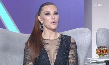 My style rocks Gala: Λαμπερή η Βίκυ Χατζηβασιλείου με εντυπωσιακό μαύρο φόρεμα και βαθύ ντεκολτέ!