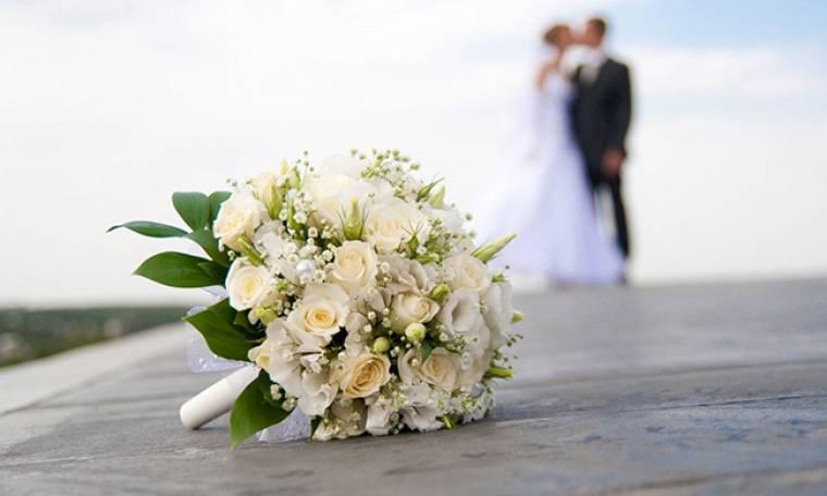 Δείτε την αναγγελία γάμου γνωστού ζευγαριού