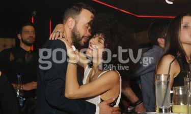Σολωμού – Μουζουράκης: Αγκαλιές και τρυφερές στιγμές για το ζευγάρι!