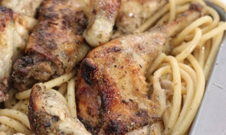 Κοτόπουλο ριγανάτο με χοντρά μακαρόνια