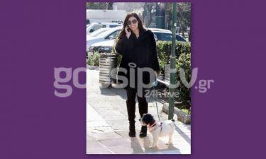 Σοφία Παυλίδου: Με το σκυλάκι της στην Κηφισιά!