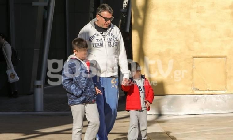 Γιώργος Λιάγκας: Βόλτα με τους γιους του!
