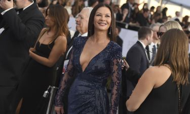 H Catherine Zeta-Jones και η κόρη της είναι απλά δίδυμες
