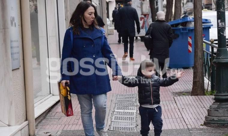 Αλίκη Κατσαβού: Βολτούλα με τον Βουτσά junior!