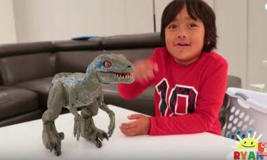 O 7χρονος YouTuber που βγάζει 24 εκατ. δολάρια το χρόνο κάνει το επόμενο βήμα στην… καριέρα του!