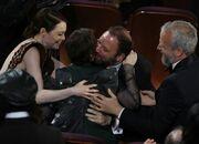 Όσκαρ 2019: Τα δάκρυα του Λάνθιμου όταν κέρδισε το βραβείο Ά Γυναικείου ρόλου η Olivia Colman