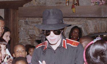 «Χρησιμοποιούσε κλασικές τακτικές παιδόφιλων»: Αστυνομικός σκιαγραφεί τον Μάικλ Τζάκσον