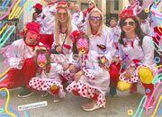 Η σύζυγος και η κόρη πασίγνωστου παρουσιαστή συμμετείχαν στο καρναβάλι για μικρούς στην Πάτρα!