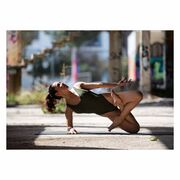 Τραγουδίστρια έγινε yogi και το απολαμβάνει