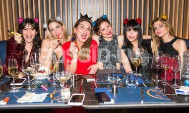 Νεαρή ηθοποιός γιόρτασε τα γενέθλιά της με τις όμορφες φίλες και συναδέλφους της
