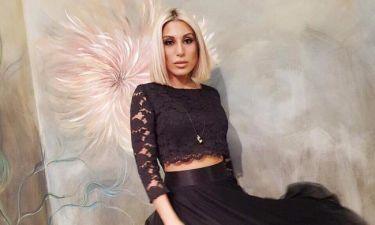 Μαρία Καρλάκη: Ξεσήκωσε το πλατό της εκπομπής «Στα τραγούδια λέμε ναι» με το συρτάκι της