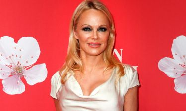 Pamela Anderson: «Η φαντασία μου οργιάζει στην Αθήνα»