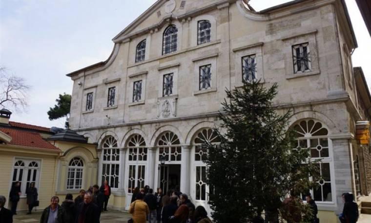 Πρόκληση! Ζητούν από το Φανάρι εκκλησιασμό στη «Σύγχρονη Μακεδονική γλώσσα»