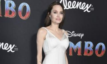 Angelina Jolie: Σε πρεμιέρα με αρχαιοελληνικού στιλ φόρεμα