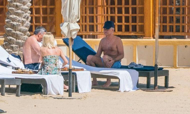 Ο Μουρίνιο «συνελήφθη» με εντυπωσιακή ξανθιά που δεν είναι η σύζυγός του! (pics)