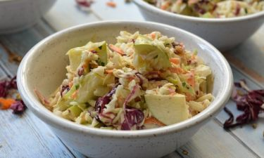 Σαλάτα coleslaw από τον Γιώργο Τσούλη! Η συνταγή που θα σας ξετρελάνει!