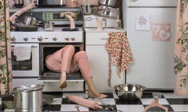 Οι «Ανώνυμες Γυναίκες» της Patty Carroll: Μια φωτογράφος καταρρίπτει το μύθο της αστικής τελειότητας