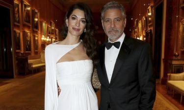O George Clooney ξαναχτυπά: Η αποκάλυψη για την Meghan, τον Κάρολο και τα δίδυμα παιδιά του