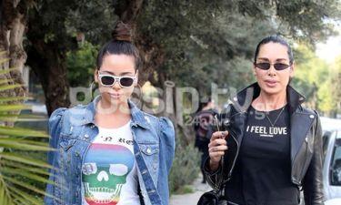 Η Ηρώ Δημητροπούλου με τη μητέρα της στη Γλυφάδα