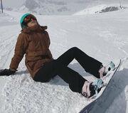 Demy: Ρομαντική απόδραση με το σύντροφό της στην Ελβετία (pics & vid)