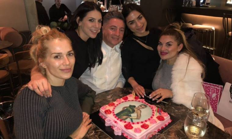 Βικτώρια Καρύδα: Τα γενέθλια και οι φίλοι της!