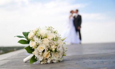 Μας την έφεραν! Ελληνίδα πρωταγωνίστρια παντρεύτηκε τον σύντροφό της στο Παρίσι