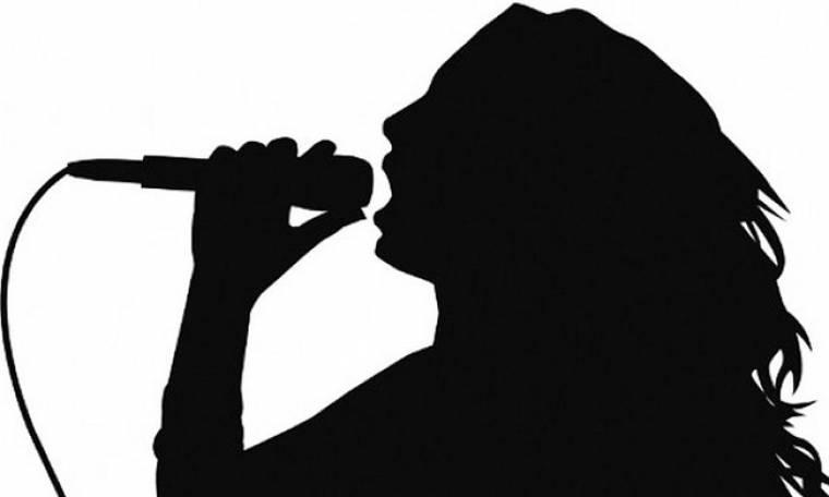 Πασίγνωστη Ελληνίδα τραγουδίστρια παλεύει με τη νευρική ανορεξία - Έφτασε να ζυγίζει 47 κιλά