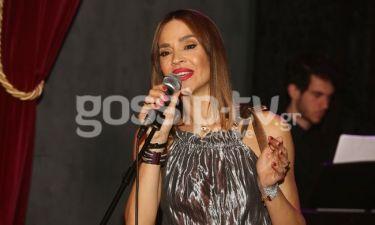 H Νικολέτα Καρρά σε ρόλο τραγουδίστριας-Ποιοι επώνυμοι την απόλαυσαν;