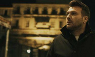 Ο Γιάννης Πλούταρχος παρουσιάζει το νέο του single
