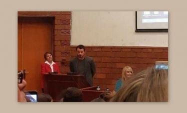 Χαμός στο Πάντειο Πανεπιστήμιο – Η διάλεξη του Ντάνου γέμισε ασφυκτικά την αίθουσα