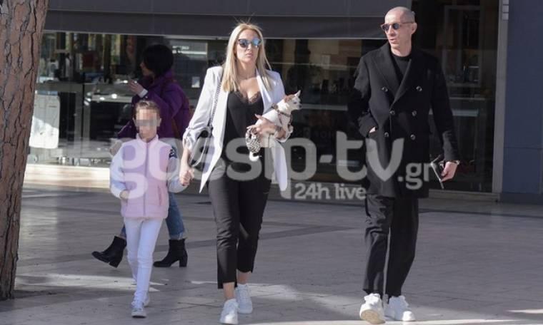 Έλενα Ασημακοπούλου - Μπρούνο Τσιρίλο: Βόλτα στην Κηφισιά με την κόρη τους
