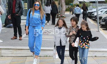 Ελένη Πετρουλάκη: Για ψώνια με την κόρη της και τις φίλες της
