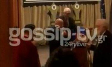Η απίστευτη ατάκα του Μίμη Πλέσσα στον Γιάννη Σμαραγδή που έκανε τους πάντες να ξεσπάσουν σε γέλια