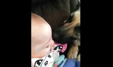 Μετά τη γκρίνια, ήρθε η απόλαυση γι' αυτό το μωρό
