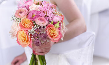 10+1 μυστικοί γάμοι στην ελληνική σόουμπιζ