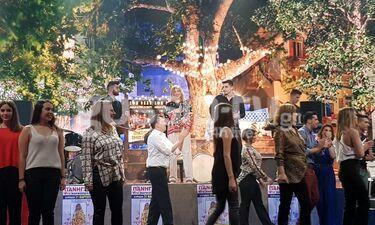 YFSF: Η Μελίνα Μακρή στα πανηγύρια ως Έφη Θώδη με την ορίτζιναλ μπλούζα